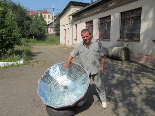 Буковинець власноруч змайстрував сонячний концентратор і тепер споживає на третину менше природного газу